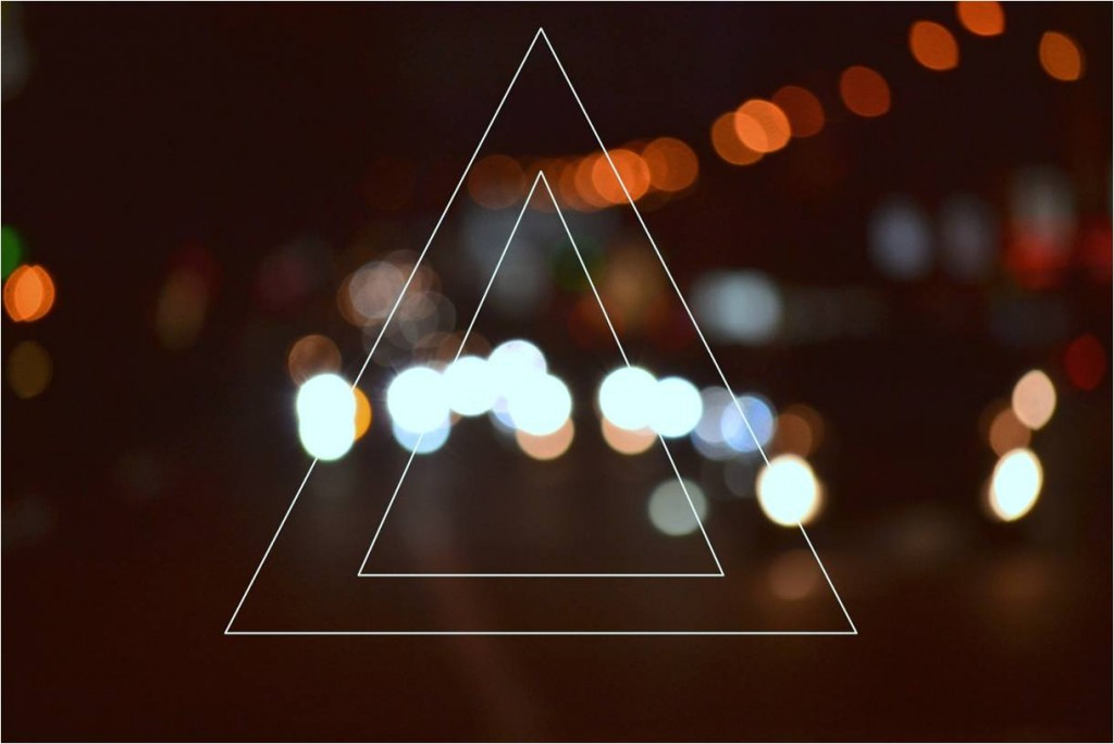 That day i just wanted to draw a triangle. A triangle on blurry Donetsk traffic.